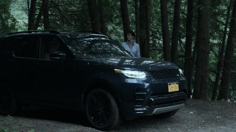 Land Rover Discovery Black SUV in V Wars Season 1 Episode 4 Bad as Me (2)