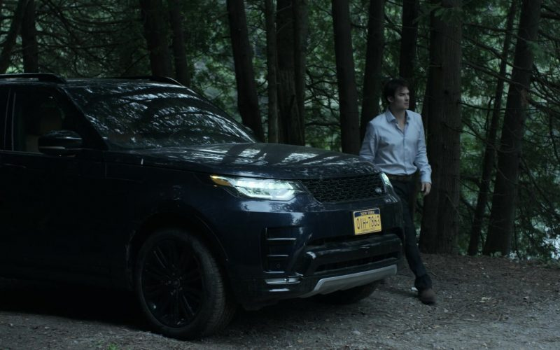 Land Rover Discovery Black SUV in V Wars Season 1 Episode 4 Bad as Me (3)