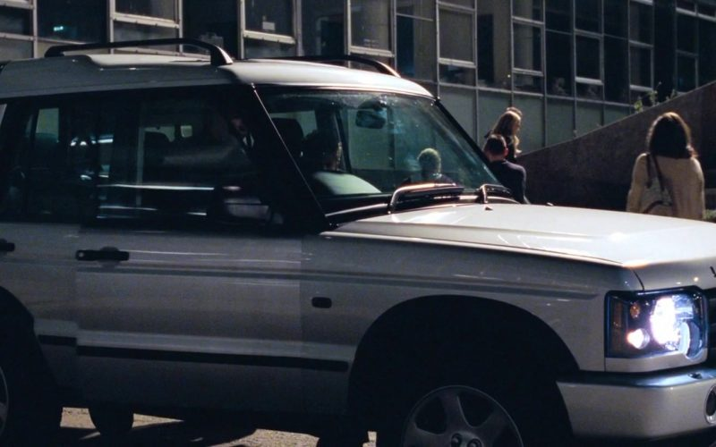 Land-Rover Discovery Series II Car in Love, Actually