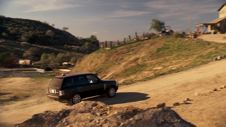 Land-Rover Range Rover Series III SUV in Four Christmases (2)