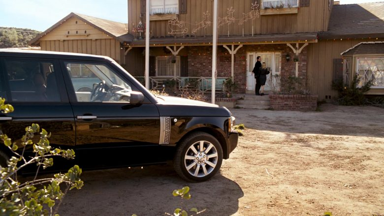 Land-Rover Range Rover Series III SUV in Four Christmases (3)