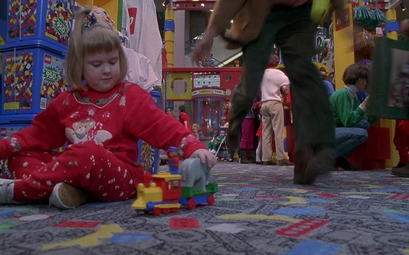 Lego Bricks in Jingle All the Way (1)