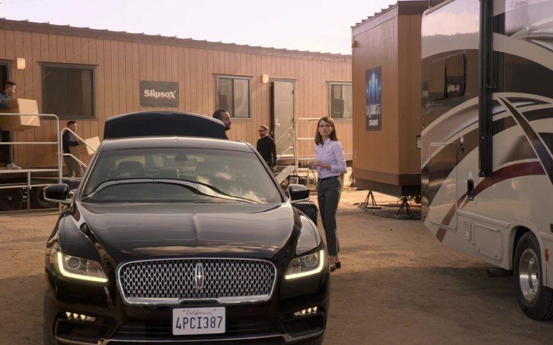 Lincoln Car in Silicon Valley Season 6 Episode 6 (1)