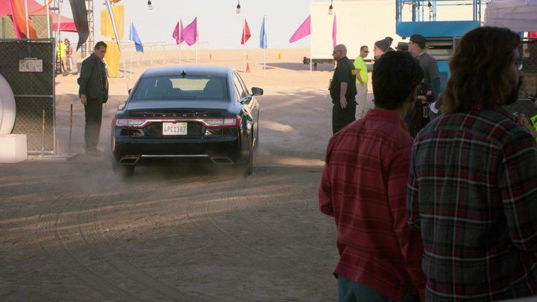 Lincoln Car in Silicon Valley Season 6 Episode 6 (2)