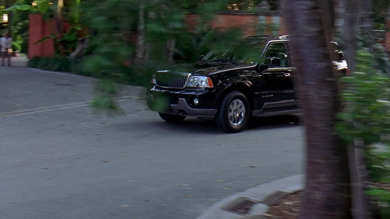 Lincoln Navigator Black SUV in 2 Fast 2 Furious (3)