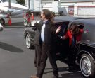Lincoln Town Car Stretched Car in Seinfeld Season 9 Episodes 23-24 The Finale (4)