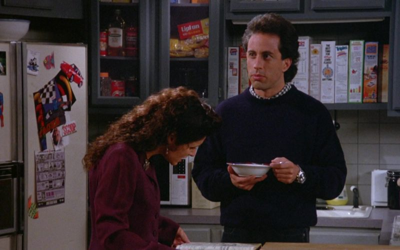 Lipton Tea in Seinfeld Season 5 Episode 5 The Bris (1)