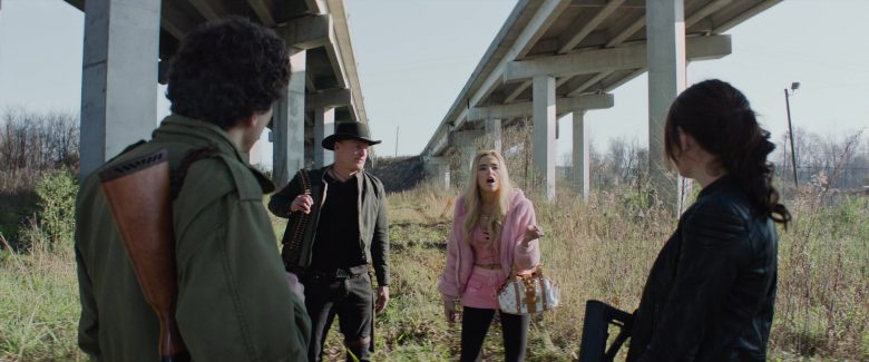 Louis Vuitton Handbag Held by Zoey Deutch as Madison in Zombieland Double Tap (4)
