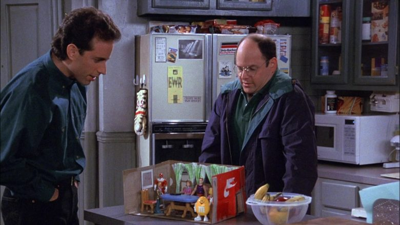 M&M's Yellow Toy in Seinfeld Season 8 Episode 2 The Soul Mate (1)
