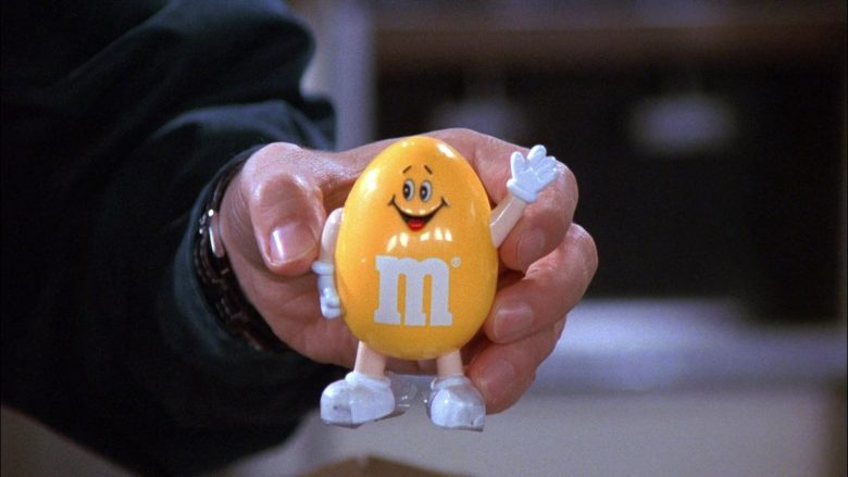 M&M's Yellow Toy in Seinfeld Season 8 Episode 2 The Soul Mate (2)