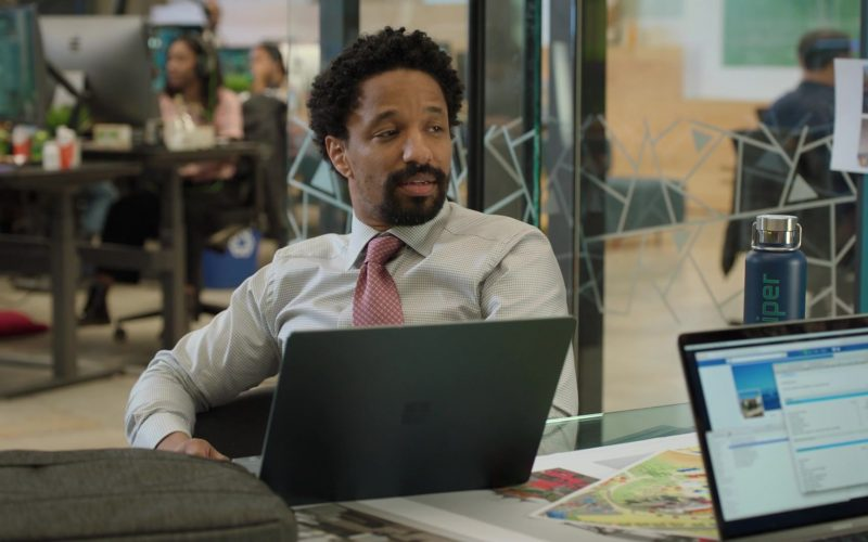 Microsoft Surface Laptop in Silicon Valley Season 6 Episode 6 RussFest (1)