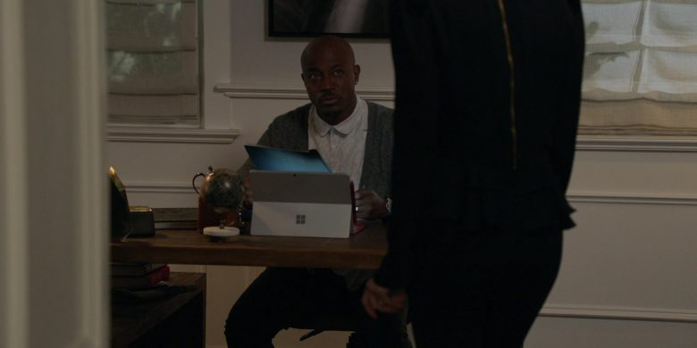 Microsoft Surface Tablet Used by Taye Diggs as Billy Baker in All American Season 2 Episode 8 (2)