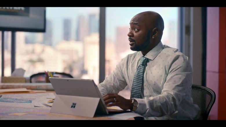 Microsoft Surface Tablet in The L Word Generation Q Season 1 Episode 3 Lost Love (2)