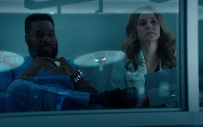 Microsoft Surface Tablets in The Resident Season 3 Episode 9 (1)