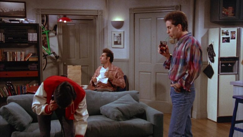 Minute Maid Juice Enjoyed by Jerry Seinfeld in Seinfeld Season 3 Episode 8 The Tape (2)