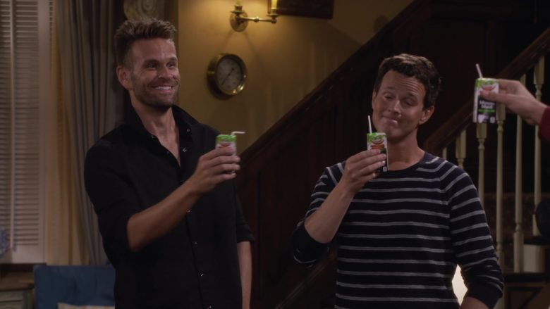 Minute Maid Juices in Fuller House Season 5 Episode 4 Moms' Night Out (1)