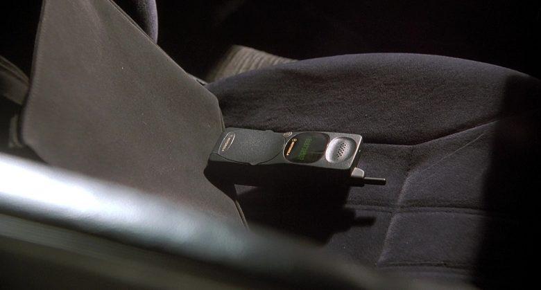 Motorola Mobile Phone in K-911 (1)