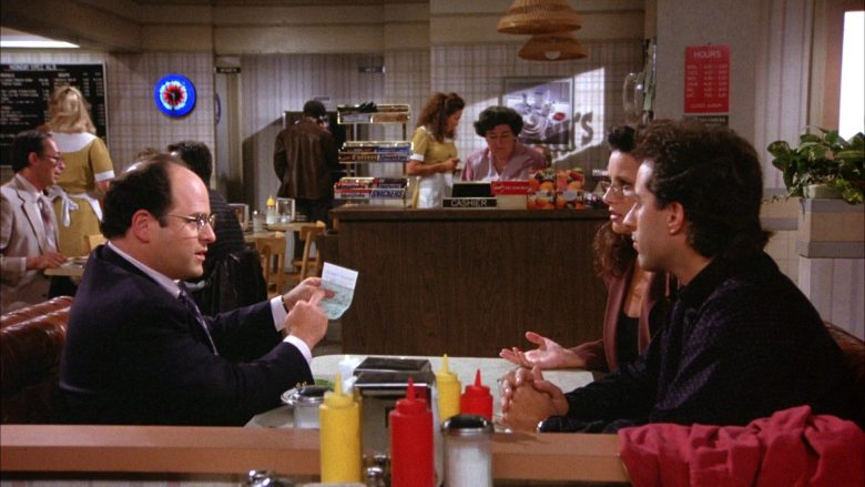 Mounds and Snickers Bars in Seinfeld Season 6 Episode 3 (2)