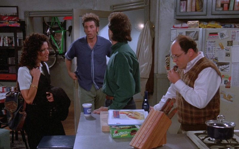 Nabisco Snackwell's Cookies in Seinfeld Season 7 Episode 8 The Pool Guy (1)