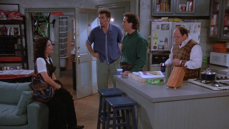 Nabisco Snackwell's Cookies in Seinfeld Season 7 Episode 8 The Pool Guy (2)