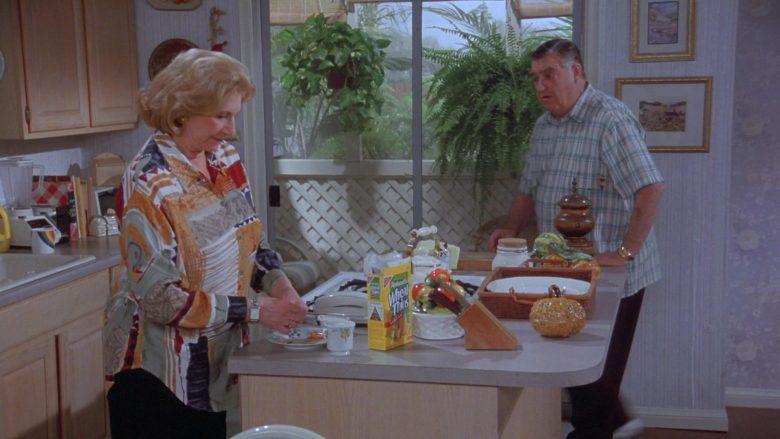Nabisco Wheat Thins in Seinfeld Season 7 Episode 14-15 The Cadillac (1)
