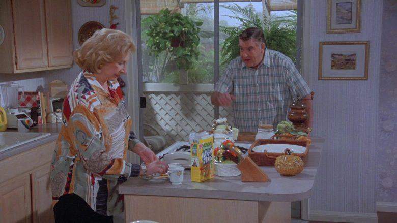 Nabisco Wheat Thins in Seinfeld Season 7 Episode 14-15 The Cadillac (2)