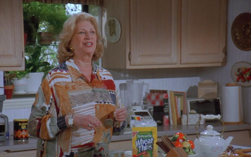 Nabisco Wheat Thins in Seinfeld Season 7 Episode 14-15 The Cadillac (3)