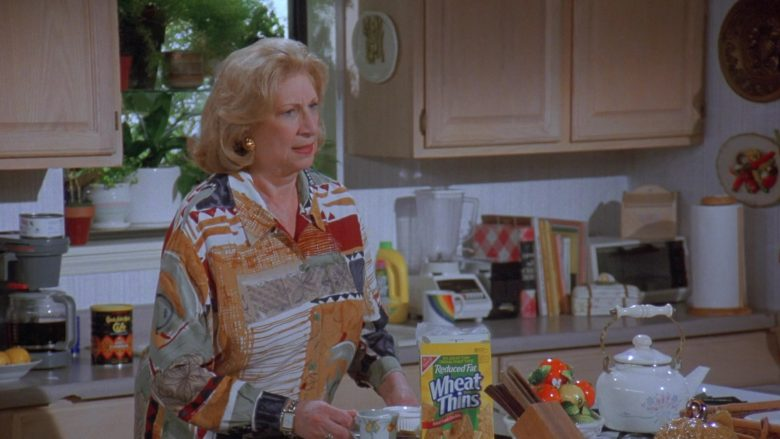 Nabisco Wheat Thins in Seinfeld Season 7 Episode 14-15 The Cadillac (4)