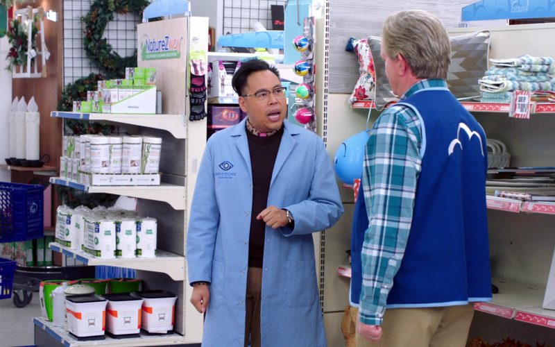 NatureZway in Superstore Season 5 Episode 10 Negotiations