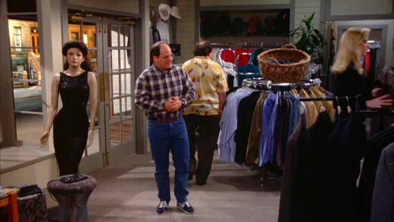 Nautica Clothing Store in Seinfeld Season 5 Episode 15 The Pie (2)