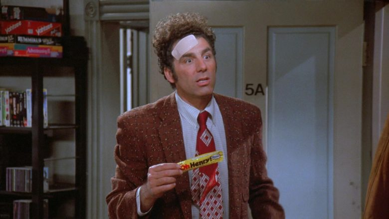 Nestlé Oh Henry! Candy Bar Enjoyed by Michael Richards as Cosmo Kramer in Seinfeld Season 7 Episode 12 (2)
