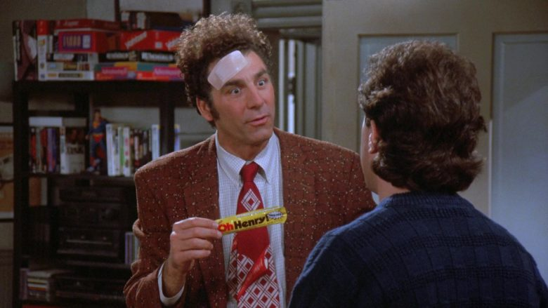 Nestlé Oh Henry! Candy Bar Enjoyed by Michael Richards as Cosmo Kramer in Seinfeld Season 7 Episode 12 (4)