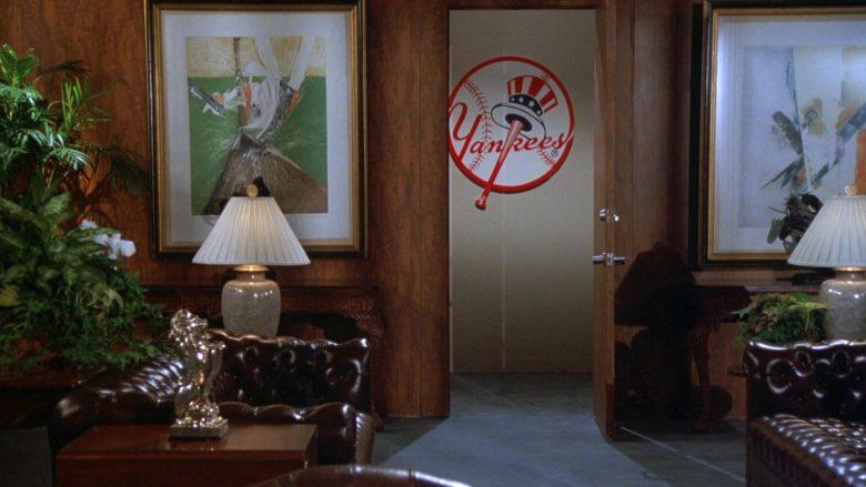 New York Yankees in Seinfeld Season 7 Episode 20 The Calzone (3)