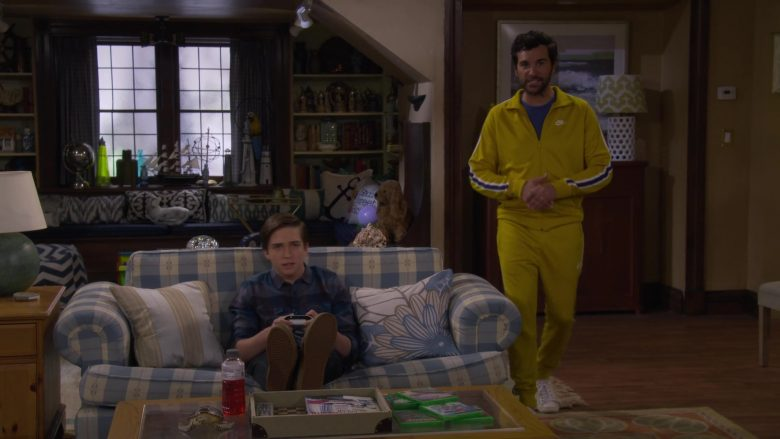 Nike Jacket and Sweatpant Tracksuit Worn by Juan Pablo Di Pace as Fernando in Fuller House Season 5 Episode 2 (1)