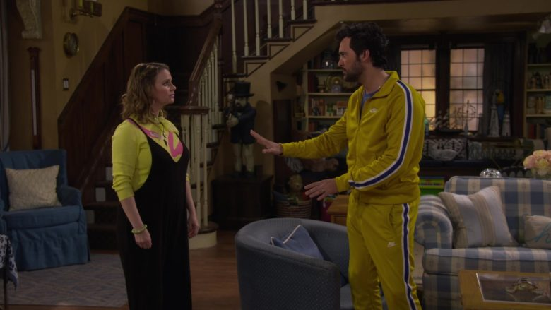 Nike Jacket and Sweatpant Tracksuit Worn by Juan Pablo Di Pace as Fernando in Fuller House Season 5 Episode 2 (4)