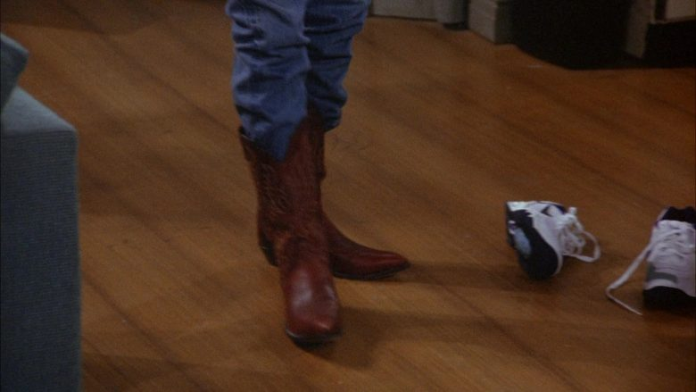 Nike Shoes in Seinfeld Season 6 Episode 8 The Mom & Pop Store (1)