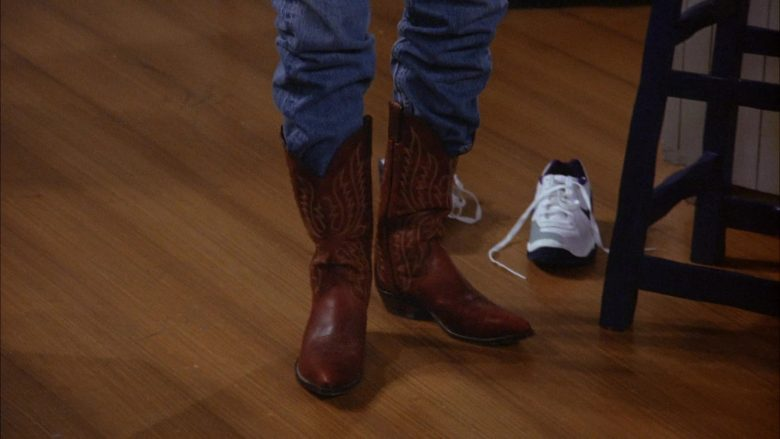 Nike Shoes in Seinfeld Season 6 Episode 8 The Mom & Pop Store (2)