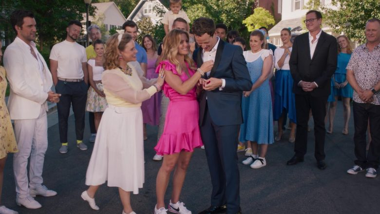 Nike Sneakers Worn by Andrea Barber as Kimmy Gibbler in Fuller House Season 5 Episode 9 A Modest Proposal (3)