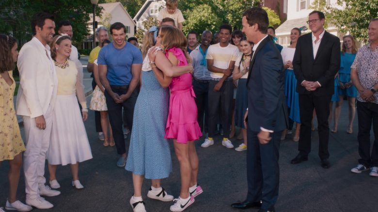 Nike Sneakers Worn by Andrea Barber as Kimmy Gibbler in Fuller House Season 5 Episode 9 A Modest Proposal (4)