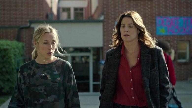 Nike Sweatshirt For Women in Stumptown Season 1 Episode 9 Dex Education (2)