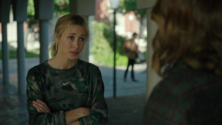 Nike Sweatshirt For Women in Stumptown Season 1 Episode 9 Dex Education (3)