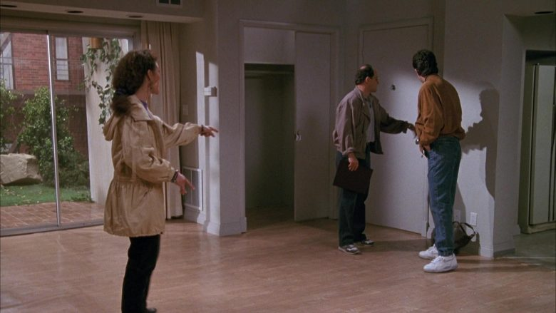 Nike White Shoes Worn by Jerry Seinfeld in Seinfeld Season 1 Episode 3 (6)