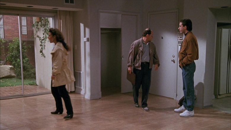 Nike White Shoes Worn by Jerry Seinfeld in Seinfeld Season 1 Episode 3 (7)