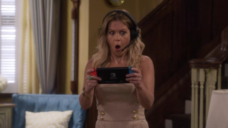 Nintendo Switch Console Held by Candace Cameron Bure as D.J. Tanner-Fuller in Fuller House Season 5 Episode 5 (4)