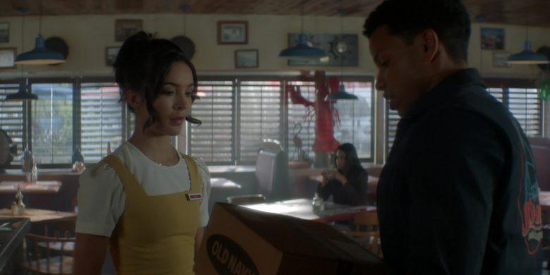 Old Navy Box Held by Tunji Kasim as Ned 'Nick' Nickerson in Nancy Drew Season 1 Episode 8 (2)