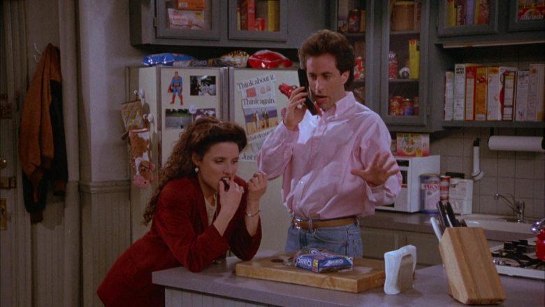 Oreo Cookies Enjoyed by Julia Louis-Dreyfus as Elaine Benes in Seinfeld Season 4 Episode 22 (3)