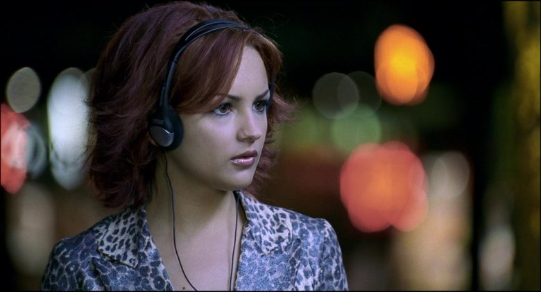 Panasonic Headphones Used by Rachael Leigh Cook in Josie and the Pussycats (2)