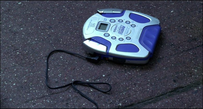 Panasonic Portable CD Player Used by Rachael Leigh Cook in Josie and the Pussycats (2)