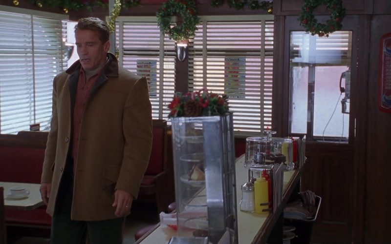 Pepsi Thermometer in Jingle All the Way