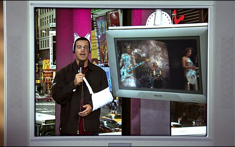 Philips TVs in Josie and the Pussycats (1)